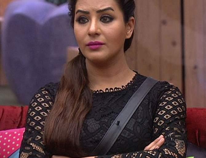 Bigg Boss11: Shilpa Shinde, who is going out of the house after the bandh, is the reason   Bigg Boss11:बंदगीनंतर घराबाहेर पडणार शिल्पा शिंदे, हे आहे कारण