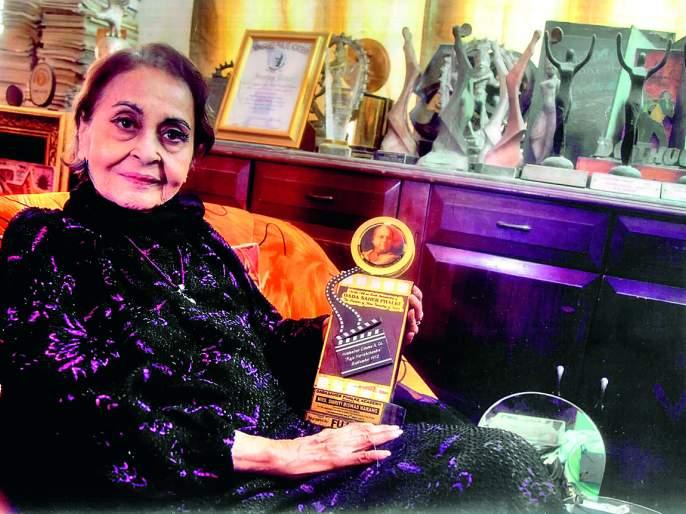 Actor Smriti Biswas-Narang gave help to Nasik | अभिनेत्री स्मृती बिश्वास-नारंग यांना नाशिककरांनी दिला मदतीचा हात!