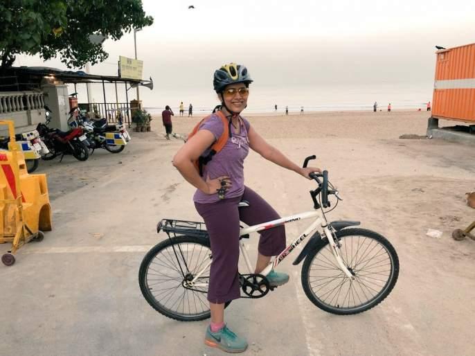 Sonali Kulkarni says, I have a bicycle | सोनाली कुलकर्णी सांगतेय, मेरे पास सायकल है