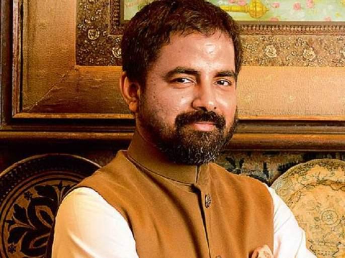 If you do not have sari nesata, you should feel ashamed ...! Fiction designer Sabyasachi Mukherjee's controversial statement !! | साडी नेसता येत नसेल तर लाज वाटली पाहिजे...! फॅशन डिझाईनर सब्यसाची मुखर्जीचे वादग्रस्त विधान!!