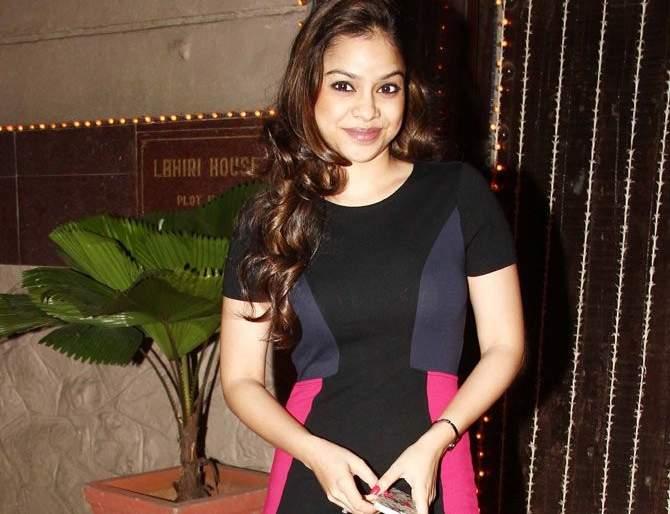 Sumona Chakravati was admitted to the hospital due to dizziness   सुमोना चक्रवतीला चक्कर आल्याने रुग्णालयात करण्यात आले दाखल