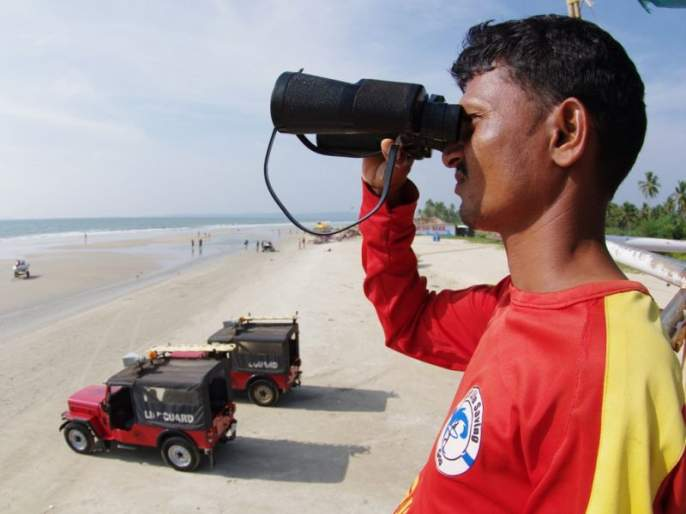 Mumbai's Beaches and Survivors will be privatized | मुंबईच्या बीचेसवरीेल जीवरक्षकांचे होणार खाजगीकरण