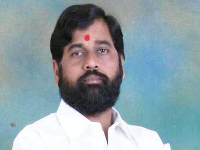 Eknath Shinde uses IRB subsidiary's car; MNS district president alleged   एकनाथ शिंदे वापरतात आयआरबीच्या उपकंपनीची गाडी; मनसे जिल्हाध्यक्षांचा आरोप