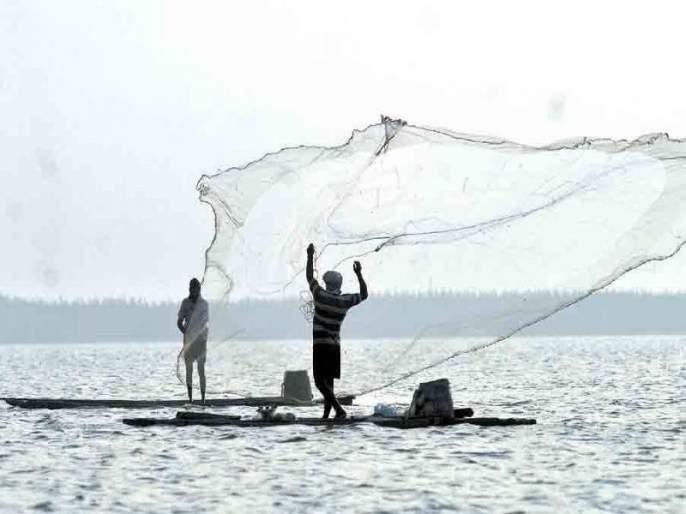 Fisherman Minister in Goa felicates a fisherman against Vinod Palankar | गोव्यात मच्छीमारमंत्री विनोद पालयेंकर यांच्याविरुद्ध मच्छीमार एकवटले