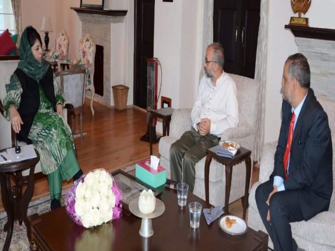 Mahbuta Mufti felicitates FTII   मेहबूबा मुफ्तींकडून 'एफटीआयआय'ला शाबासकी