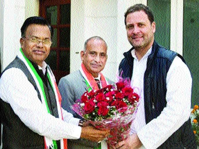 Former Chancellor Kishor Gajbhia and Uttam Khobragade in Congress | माजी सनदी अधिकारी किशोर गजभिये आणि उत्तम खोब्रागडे काँग्रेसमध्ये
