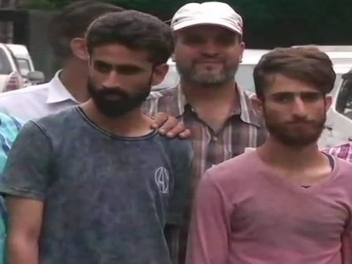 2 IS terrorists arrested from Red Fort, delhi   लाल किल्ल्याजवळून आयएसच्या 2 दहशतवाद्यांना अटक