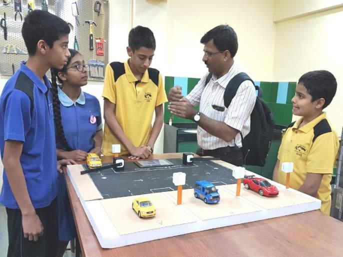 Students should study science: Yogesh Kulkarni; School fair in Pune | विद्यार्थ्यांनी विज्ञानाची कास धरावी : योगेश कुलकर्णी; पुण्यात शाळांचा मेळावा