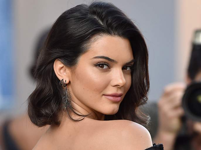 Kendall Jenner and Ben Simmons might be moving into a bigger home | केंडल जेनरला कुणी घर देता का घर?