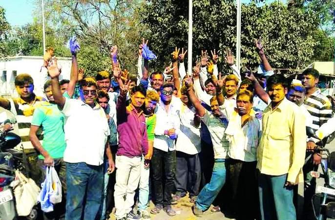 Khamgaon: Congress-Bharipachi Sarashi under the deficit; BJP push! | खामगाव : घाटाखाली काँग्रेस-भारिपची सरशी; भाजपला धक्का!
