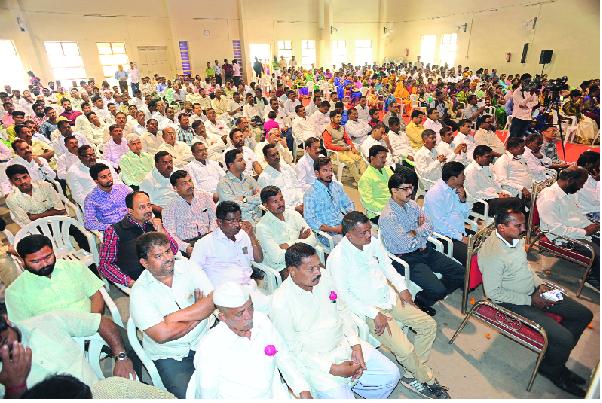 'Lokmat' powers to rural development villagers | ग्रामविकासातील शिलेदारांना 'लोकमत'चे बळ