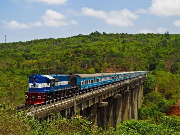 Ratnagiri: Train Konkan for Ganeshotsav, now full stop, booking of many trains | रत्नागिरी : गणेशोत्सवासाठी रेल्वे कोकण आतापासूनच फुल्ल, अनेक गाड्यांचे बुकिंग बंद