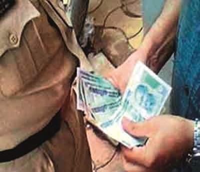 Satara Mahamandal Manch is caught in the trap of bribery | सातारा महामंडळ व्यवस्थापिका लाचलुचपतच्या जाळ्यात