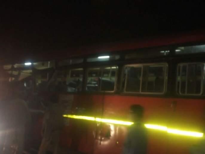 Latur-Nilanga road accident again; 3 killed, 8 severe | लातूर-निलंगा रस्त्यावर पुन्हा अपघात; ३ ठार, ८ गंभीर