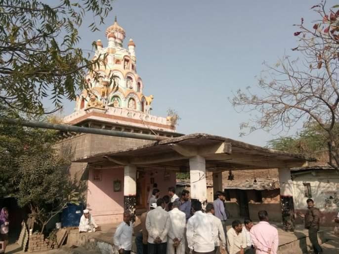 Burial of 1600 year old Ram Temple at Rainapur; 12 Panchadoots Murti Lampas | रेणापूर येथील १६०० वर्ष जुन्या राम मंदिरात चोरी; १२ पंचधातुंच्या मुर्त्या लंपास