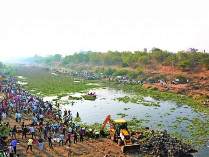 Ekolate Akolekar for cleanliness of the river!   मोर्णेचा श्वास मोकळा : नदीच्या स्वच्छतेसाठी एकवटले अकोलेकर!