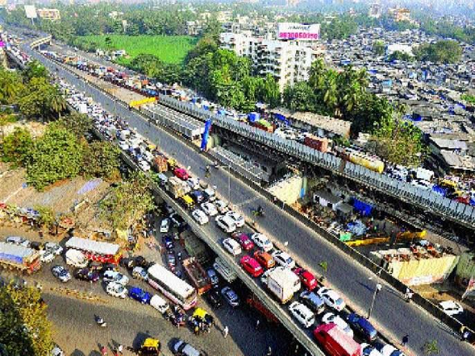 One day already closed in Mumbai! The situation of the Koregaon-Bhima case | एक दिवस आधीच मुंबईत बंद! कोरेगाव-भीमा प्रकरणाचे पडसाद