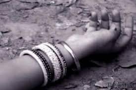 Wife murdered in Kamtshet by drunken husband for money; The accused escaped | दारूच्या पैशांसाठी कामशेतमध्ये पत्नीचा धारदार हत्याराने निर्घृण खून; आरोपी पसार