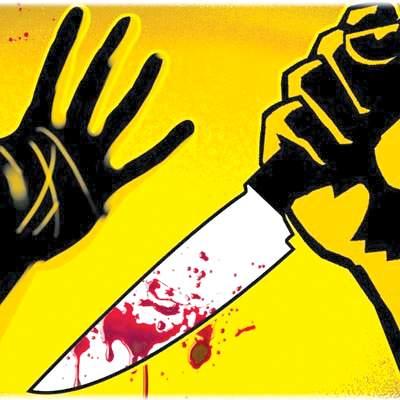 attack on women cleaning worker in Dadar | दादरमध्ये महिला सफाई कामगारावर जीवघेणा हल्ला