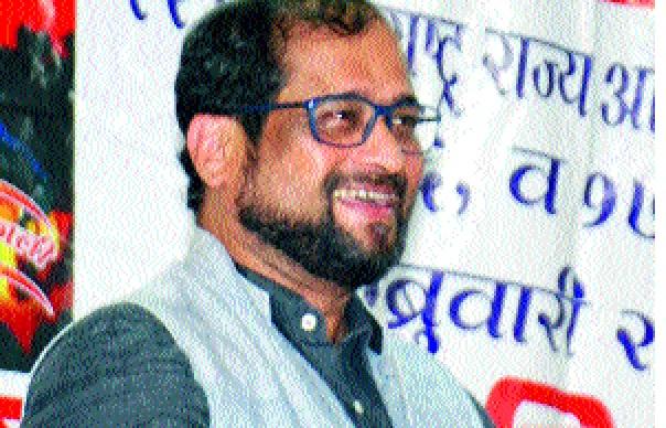 Nikhil Wagle: The BJP has stopped the role of the BJP, the condition of the country in four years   पवारांची भूमिकाच भाजपला रोखणार निखिल वागळे : भाजपमुळे चार वर्षांत देशाची अवस्था बिकट