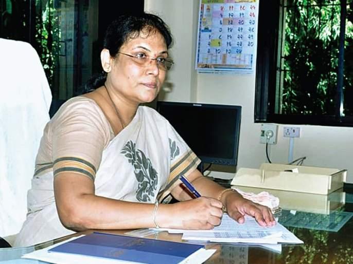 Chaitanya exemplary positive energy, women officer Pushpa Chavan! | सकारात्मकऊर्जेचे चैतन्यमयी उदाहरण म्हणजे, महिला अधिकारी पुष्पा चव्हाण!