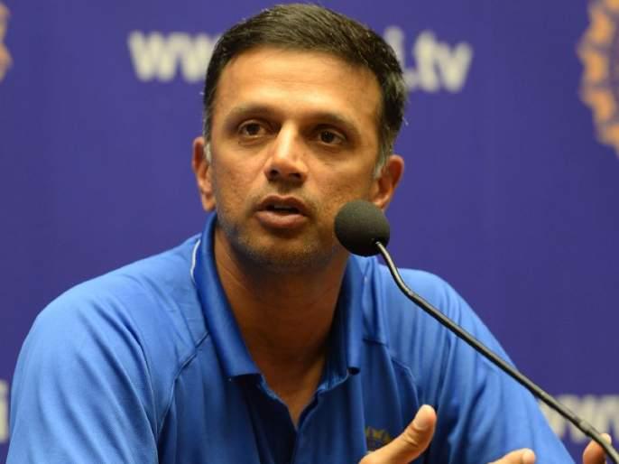 Never went Pakistan's dressing room clears Rahul Dravid | पाकिस्तानच्या ड्रेसिंग रुममध्ये गेलोच नव्हतो, राहुल द्रविडने केलं स्पष्ट