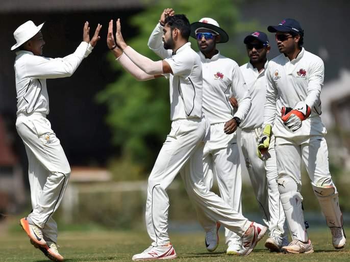 Ranji Trophy: Vinay Kumar's hat-trick, Mumbai 173 for a girad | रणजी क्रिकेट : विनयकुमारची हॅट््ट्रिक, मुंबई १७३ धावांत गारद