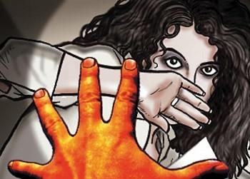 gang rape with minor in icu of private hospital in up   भयंकर! आयसीयूमध्ये अल्पवयीन मुलीवर सामूहिक बलात्कार