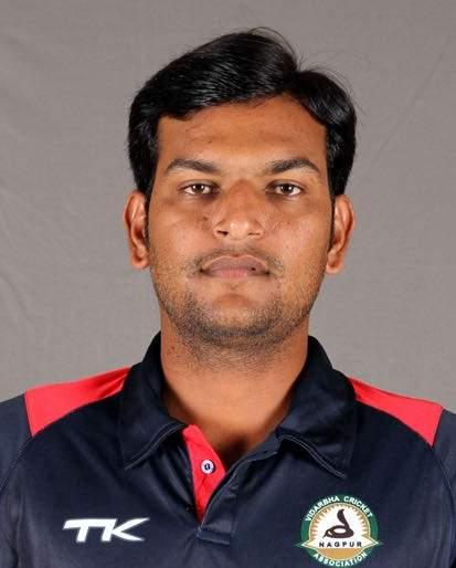 Ravi Thakur of 'Akola Cricket Club' in the Vidarbha T20 squad | 'अकोला क्रिकेट क्लब'चा रवी ठाकूर विदर्भ टी-२० संघात