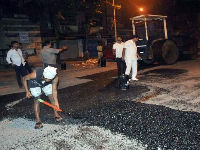 Satara: At last the dangerous pothole collapsed, breathing the freedom of the passengers | सातारा : अखेर धोकादायक खड्ड्यांवर पडले डांबर, वाहनधारकांचा सुटकेचा नि:श्वास