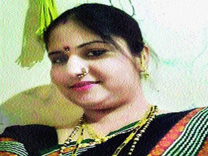 Pune: Video of godman performing rituals on patient in ICU, FIR registered | पुणे : मांत्रिकाच्या मदतीनं महिलेवर उपचार प्रकरण, डॉ. सतीश चव्हाणांविरोधात गुन्हा दाखल