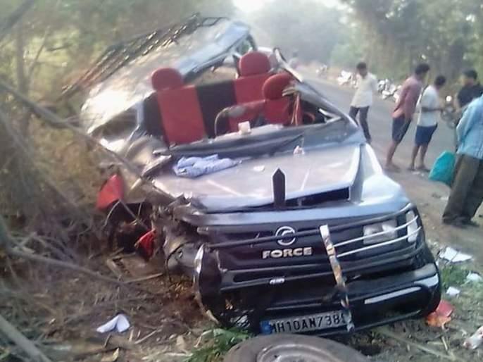 The crisis in Maharashtra! Five accidents in one day, 15 deaths in various cases | महाराष्ट्रावरसंकटांची संक्रांत !एकाच दिवशी पाच अपघात,विविध घटनांमध्ये १५ जणांचा मृत्यू