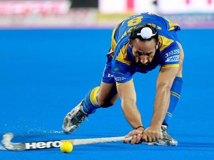 Former India team captain De Dhakka, Sardar Singh's hockey 'goodbye' | विश्वचषकापूर्वीच टीम इंडियाच्या माजी कर्णधाराचा 'दे धक्का', सरदारसिंगचा हॉकीला 'अलविदा'