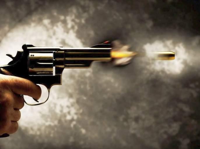 unknown fire on women in pimpari   पिंपरीतील एच. ए. काॅलनीत अज्ञातांचा महिलेवर गाेळीबार ; सुदैवाने महिला बचावली