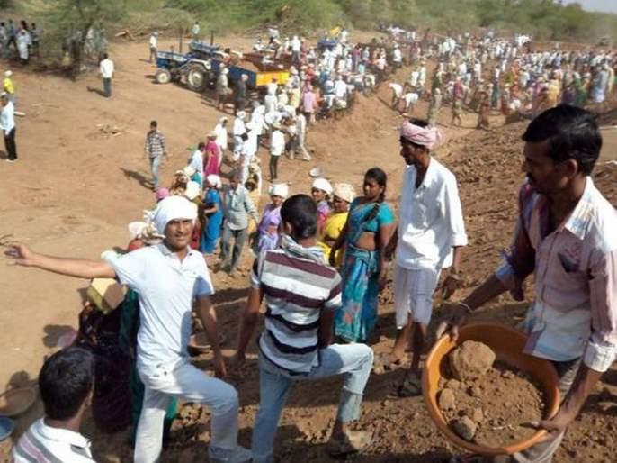 Pathardi Taluka: Waiting for rain for 16 villages in the water cup competition   पाथर्डी तालुका : वॉटर कप स्पर्धेतील १६ गावांना पावसाची प्रतीक्षा