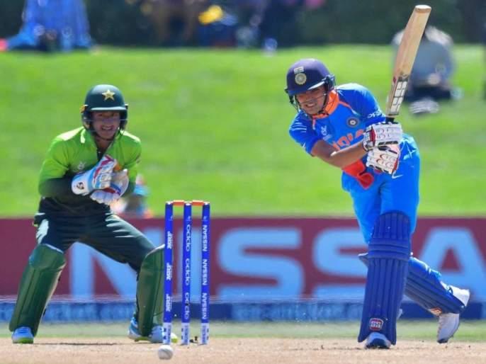 ICC U-19 World Cup 2018: Shubhaman Gill is the first Indian batsman to score a century against Pakistan   ICC U-19 World Cup 2018: शुभमन गिल ठरला पाकिस्तानविरोधात शतक ठोकणारा पहिला भारतीय फलंदाज