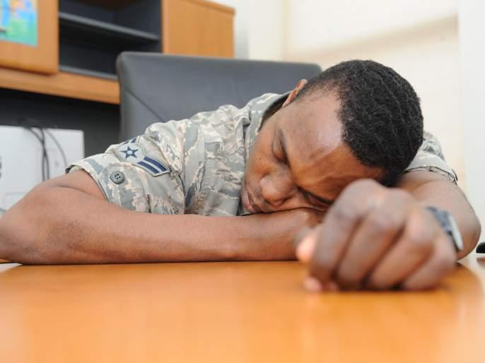 Your weight is not awake, grow in sleep!   तुमचं वजन जागेपणी नाही, झोपेत वाढतं!