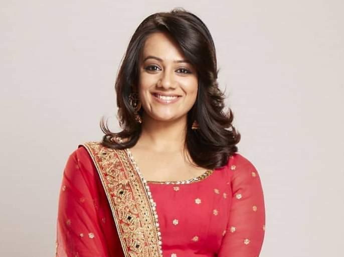 Navratri 2018: Sprha Joshi says, importance of navratri colors | Navratri 2018: स्पृहा जोशी सांगतेय, नवरात्रीतील रंगांचे महत्त्व