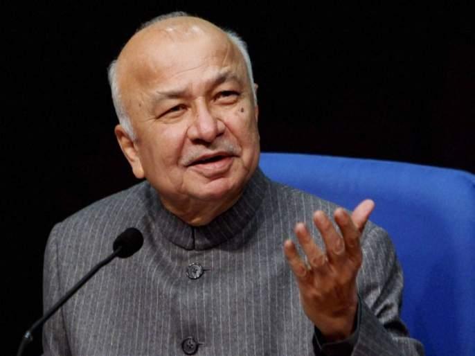 Sharad Pawar could have become PM claims Sushilkumar Shinde | शरद पवार यांनी काँग्रेस सोडली नसती तर पंतप्रधान झाले असते- सुशीलकुमार शिंदे