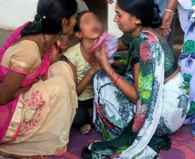 'Give me my parents, they are very bad men'; Tihuukya Swati Taha | 'खूप बदमाश लोक आहेत ते, माझे मम्मी-पप्पा मला द्या'; चिमुकल्या स्वातीचा टाहो