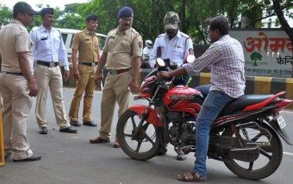 The stoppage of traffic on 53 roads for Ganeshotsav | गणेशोत्सवासाठी ५३ रस्त्यांवरील वाहतूक बंद
