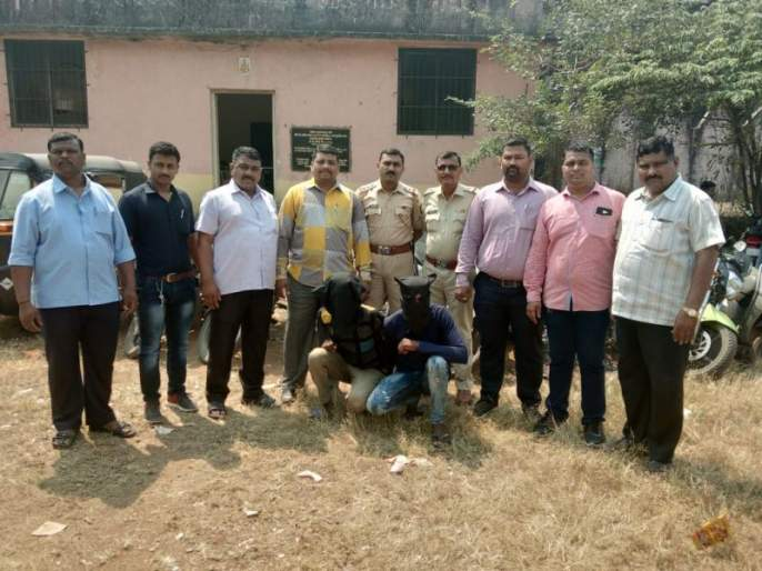 Two unidentified motorcycle thieves arrested; 10 motor cycle and 1 rickshaw capture | दोन अजबमोटारसायकल चोरांना अटक;१० मोटार सायकल आणि१ रिक्षा हस्तगत