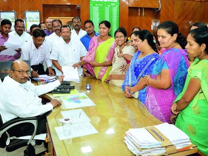 'DPC' election: 15 candidates filed for nomination papers | 'डीपीसी' निवडणूक : महापौरांसह १५ उमेदवारांचे अर्ज दाखल