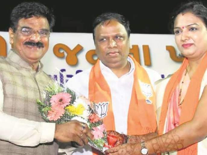BJP campaign for Shiv Sena's State in Gujarat, propaganda of candidate | शिवसेनेचे राज्यातील मंत्री गुजरातमध्ये करतायत भाजपा उमेदवाराचा प्रचार