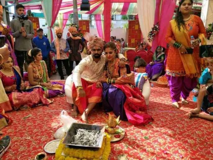 On the eve of the New Year, Virat Kohli is the player of the team in the Adkaala Marriage | नववर्षाच्या मुहूर्तावर विराट कोहलीच्या संघातील महाराष्ट्राचा खेळाडू अडकला विवाहबंधनात