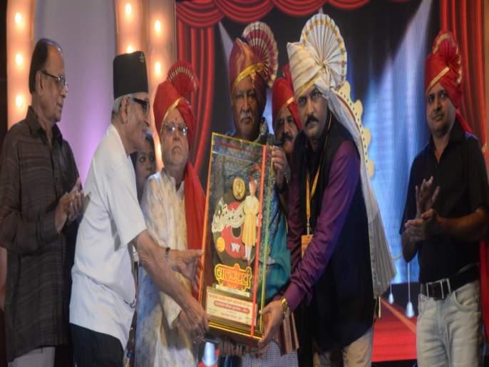 Do not remove puneri pagdi from honarable programme : Vikram Gokhale | सन्मानाने दिलेले फेटा, पागोटे आणि पगडी काढणार नाही : विक्रम गोखले यांचा टोला
