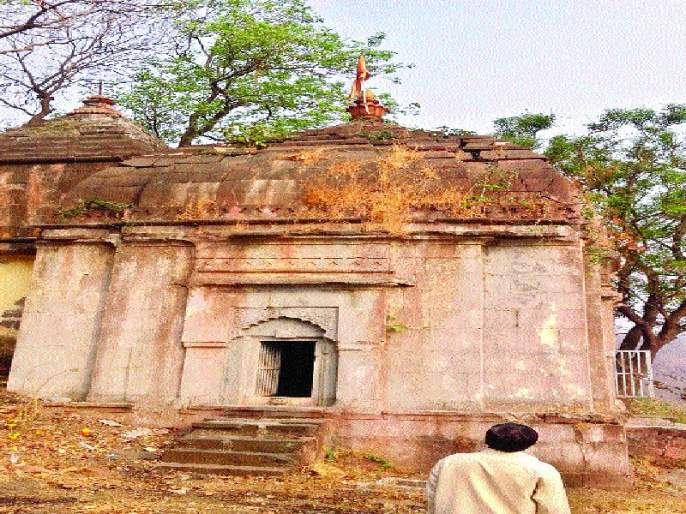 The demise of Parasurama temple, archaeological department demanded attention | परशुरामाच्या मंदिराची पडझड, पुरातत्त्व विभागाने लक्ष देण्याची मागणी
