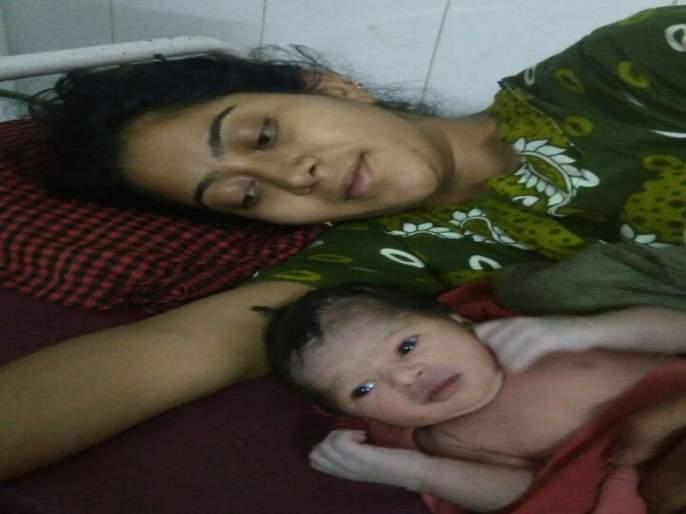Welcome to Chalisgaon Mahatma Dini 'Woman' Birth ...! | चाळीसगाव महिला दिनी 'स्त्री' जन्माचे स्वागत...!