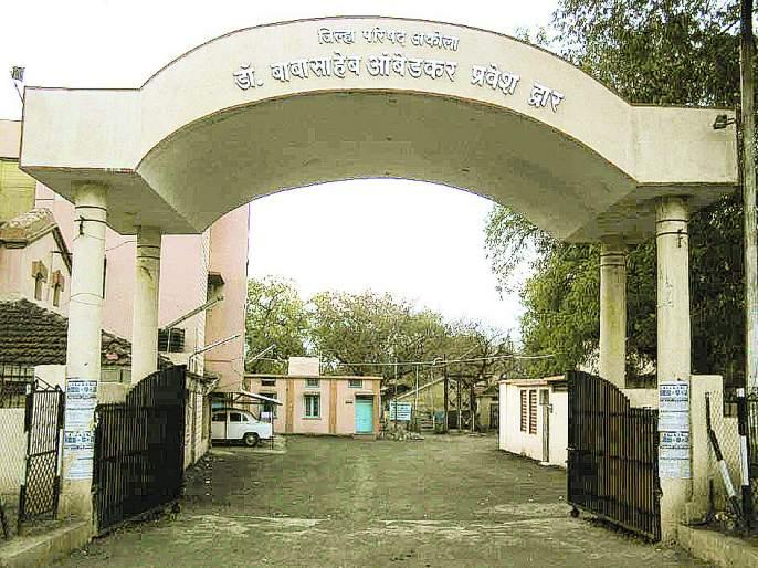 76 teachers of Akola Zilla Parishad missing files | अकोला जिल्हा परिषदेतील ७६ शिक्षकांच्या फायली गहाळ!