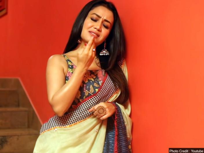 न ह कक कडच ह फ ट प ह न त म ह ह म हण ल इसम त र घ ट Marathi News Singer Neha Kakkar Raised Temperature After Sing This Song Tera Ghata See Her Bold Pics Latest Bollywood
